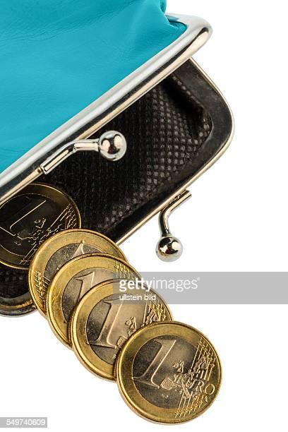 Eine fast leere Geldbörse als Symbolfoto für Schulden Armut und Konkurs