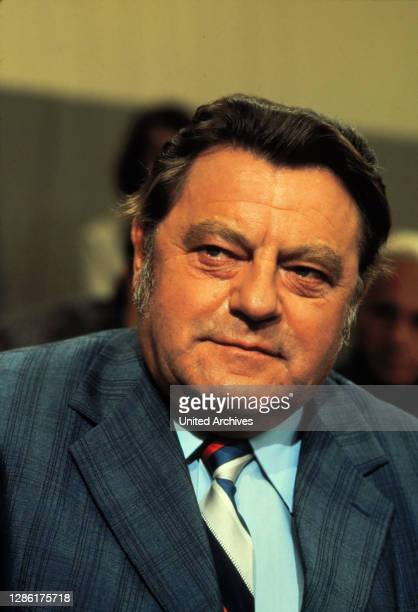 Eine Film von Carl-Ludwig Paeschke und Dieter Zimmer. Erinnerungen und Stimmungsbilder über einen Mann, der die Partei entscheidend geprägt hat....