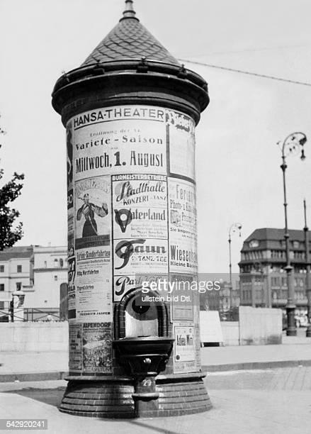 eine LitfaßSäule mit eingebauten Waschbecken in Hamburg1901