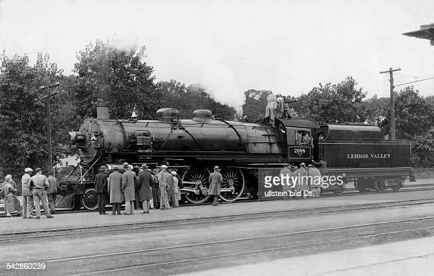 Eine neuentwickelte Express Passagier Lokomotive der Leigh Valley Gesellschaft wird der Öffentlichkeit vorgestellt 20er Jahre