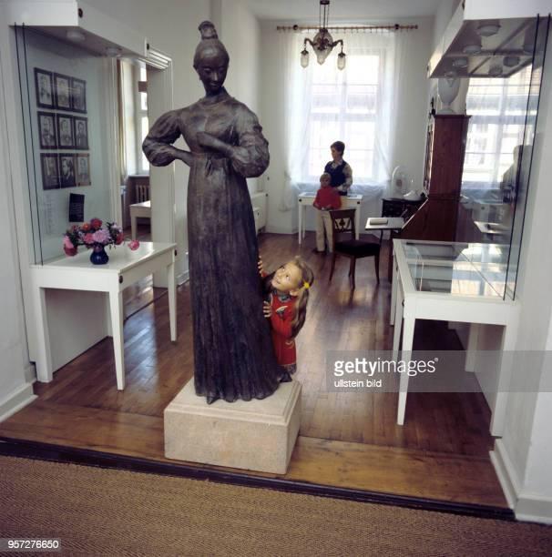 Eine Plastik von Jenny von Westphalen der späteren Ehefrau des Sozialisten Karl Marx im JennyMarxHaus in Salzwedel ihrem Geburtsort undatiertes Foto...