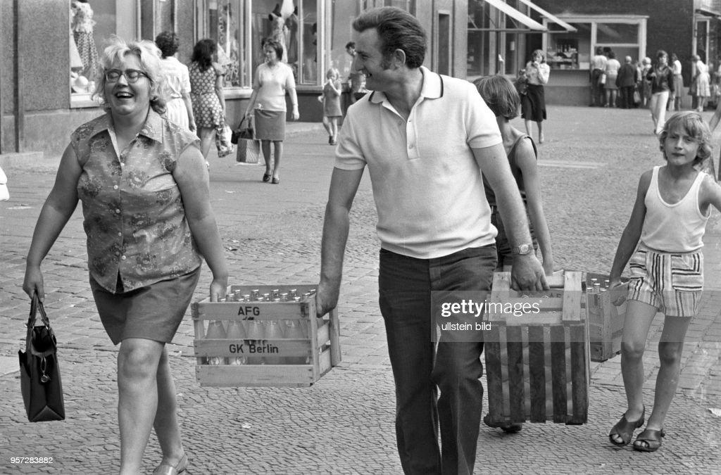 DDR - Schönhauser Allee Pictures | Getty Images