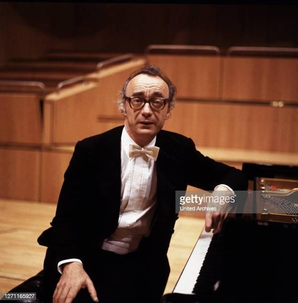 Einer der grössten Pianisten unserer Zeit. Porträt, 1980er- / Überschrift: ALFRED BRENDEL.