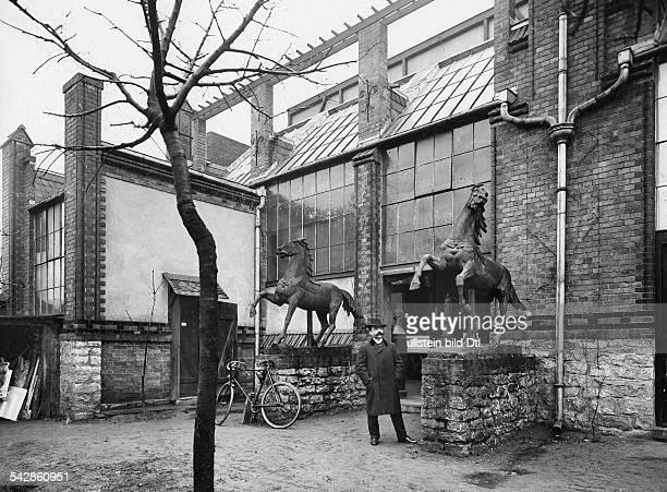Eingang zur Kunstausstellung 1899in Berlin 1899