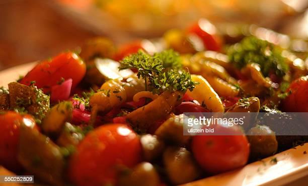 Eingelegtes Gemüse Traditionelle Vorspeisen im Russischen restaurant VOLAND in Berlin
