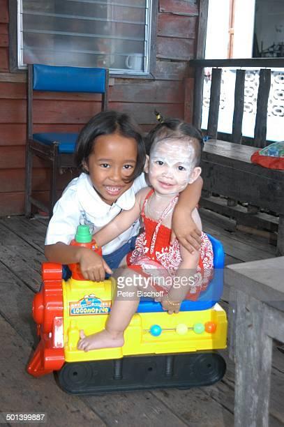 Einheimische Mädchen Insel Ko Panyi Bucht von Phang Nga Thailand Asien Reise BB DIG PNr 192/2004