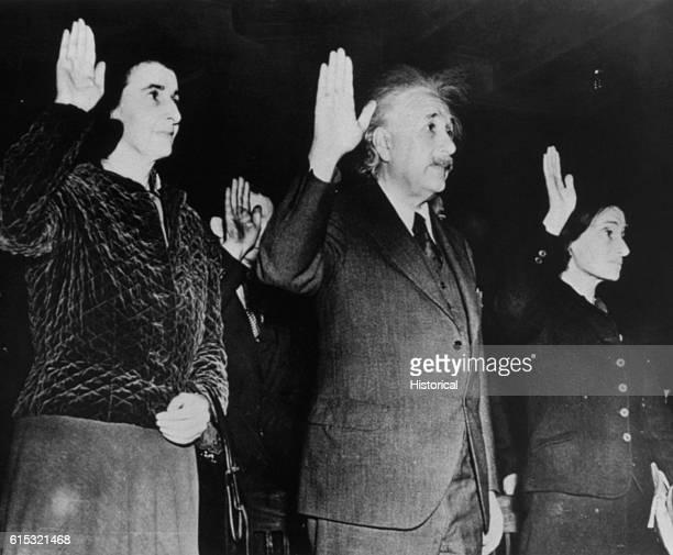 Einstein Swearing US Citizenship Oath