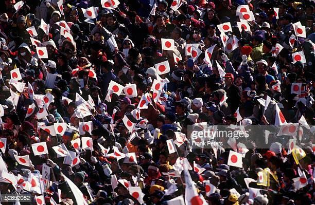 Einzel K 90 am 110298 Japanische FANS/ZUSCHAUER/FEATURE JPN