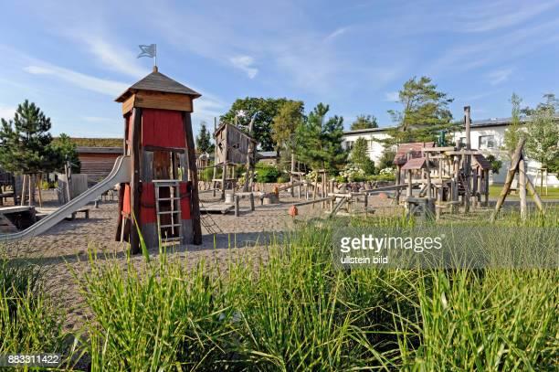 Einzigartige Wellnessinsel mit abenteuerlichen Kinderspielplaetzen im familienfreundlichen Hotel Seeklause im Ostseebad Trassenheide auf der Insel...