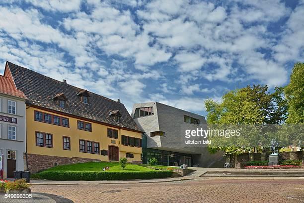 Eisenach, das Bachhaus und Bachhaus-Neubau am Frauenplan, Museum, Rechts das Bachdenkmal.