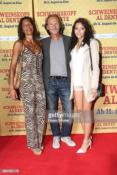 Eisi Gulp and his wife Yvonne and their daughter Aliyah during the premiere of the film 'Schweinskopf al dente' at Mathaeser Filmpalast on August 2,...