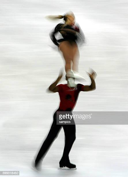 Paare Kurzprogramm Figure Skating pairs shortprogram Marylin PLa und Yannik Bonheur FRA olympische Winterspiele in Turin 2006 olympic winter games in...
