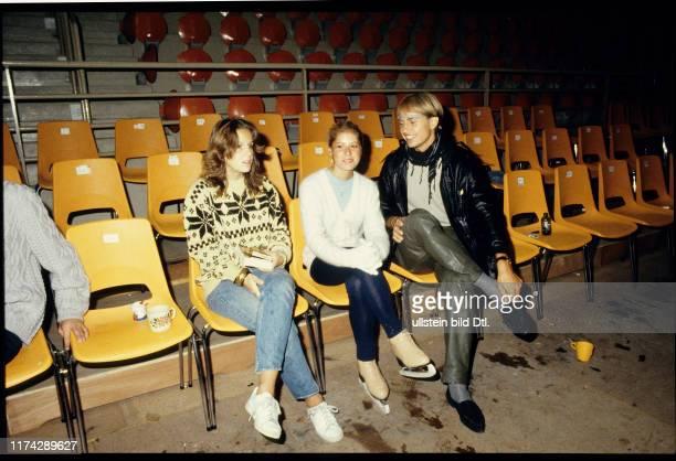 Eiskunstläufer Anika Siegfried Denise Biellmann und Paul Huber Holiday on Ice 1981
