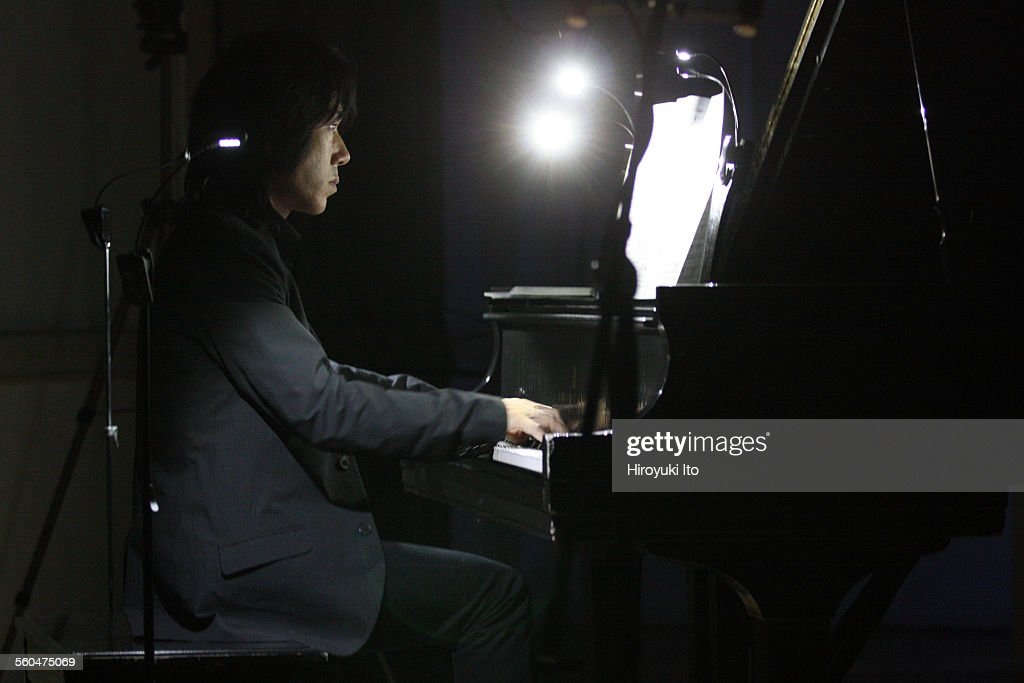 Either/Or presents '10th Annual Spring Festival of Contemporary Music' at Speyer Hall of University Settlement on Wednesday night, June 10, 2015.This image:Taka Kigawa performing Gio Janiashvili's 'Muffling Fog: after Martin Heidegger.'