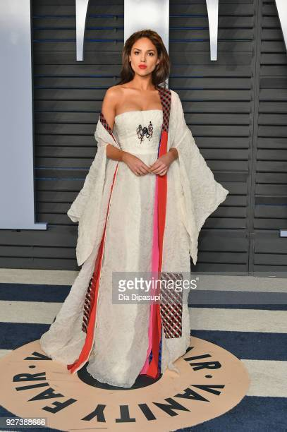 Eiza González attends the 2018 Vanity Fair Oscar Party hosted by Radhika Jones at Wallis Annenberg Center for the Performing Arts on March 4 2018 in...
