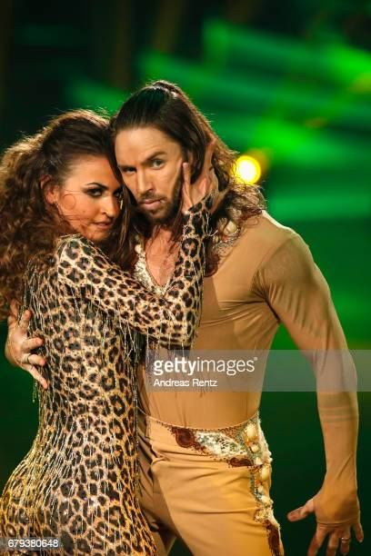 Ekaterina Leonova and Gil Ofarim perform on stage during the 7th show of the tenth season of the television competition 'Let's Dance' on May 5 2017...