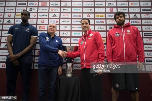Ekpe Udoh #8 of Fenerbahce Istanbul Zeljko Obradovic Head Coach Giannis Sfairopoulos Head Caoch of Olympiacos Piraeus and Georgios Printezis #15 of...