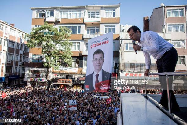 Ekrem Imamoglu CHP Party candidate for mayor of Istanbul speaks to supporters from the roof of his bus at a rally during campaigning in the rerun of...