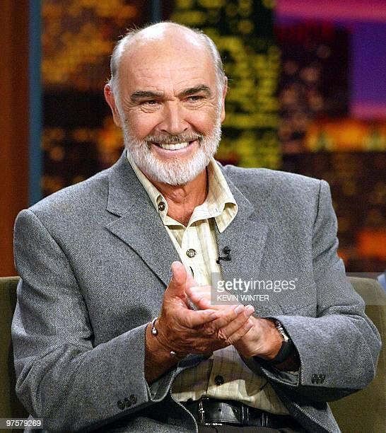 El actor Sean Connery durante una presentacion en un programa de television en los estudios NBC, el 17 de julio de 2003, en Burbank, California. AFP...