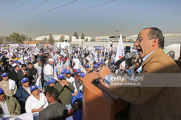 El candidato presidencial del partido de Accion Nacional Felipe Calderon brinda un discurso en la delegacion Iztapalapa en el Deportivo Santa Maria...