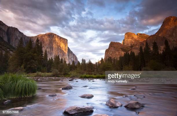 el capitan rock formation at sunset, yosemite national park, california, usa - yosemite nationalpark stock pictures, royalty-free photos & images