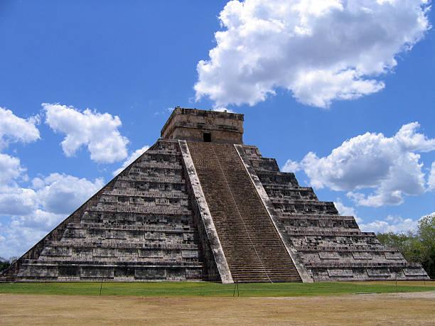 El Castillo temple