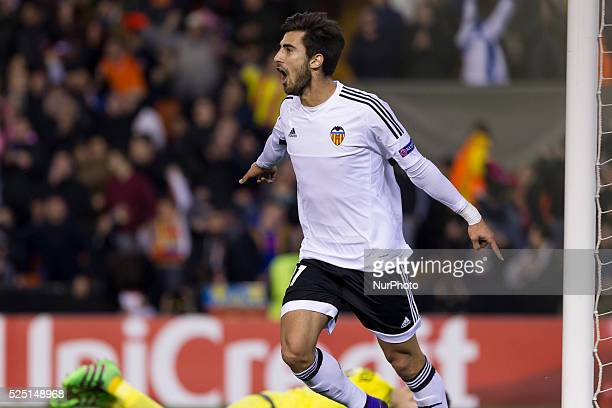 El centrocampista del Valencia CF Andre Gomes celebrates his goal during UEFA Europa League Round of 32 first leg match between Valencia CF and SK...