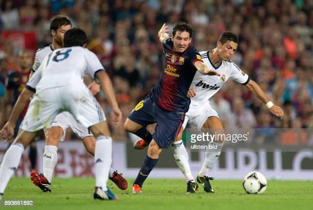 FUSSBALL INTERNATIONAL PRIMERA El Clasico Super Cup 2012 FC Barcelona Real Madrid Cristiano Ronaldo gegen Lionel Messi