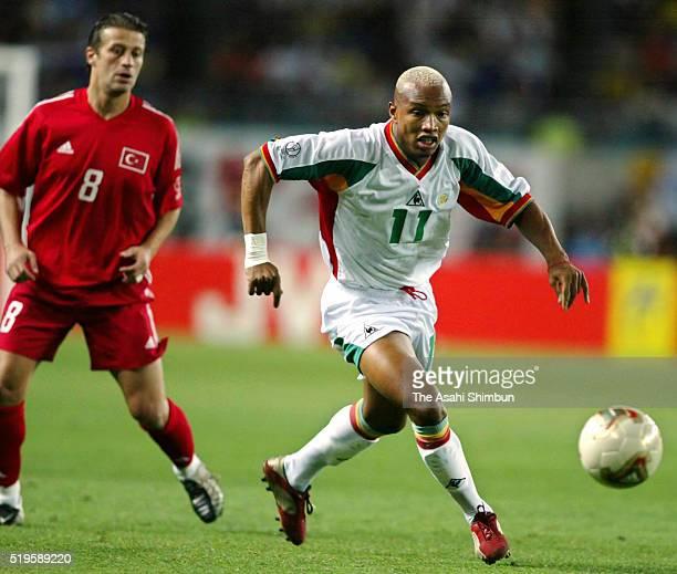 El Hadji Diouf of Senegal in action during the FIFA World Cup Korea/Japan quarter final match between Senegal and Turkey at the Nagai Stadium on June...