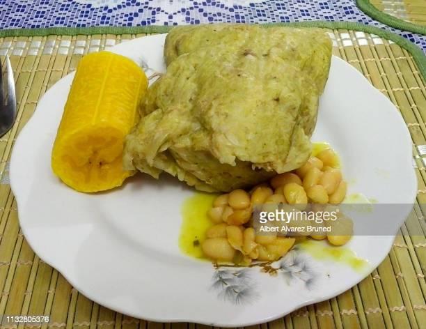 el juane - typical dish of the peruvian jungle. - cultura peruana fotografías e imágenes de stock