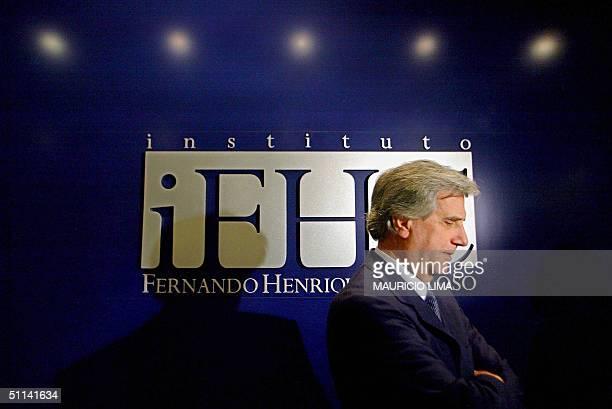 El lider y candidato presidencial de la izquierda uruguaya Tabare Vazquez habla con periodistas luego de un encuentro reservado con el ex presidente...