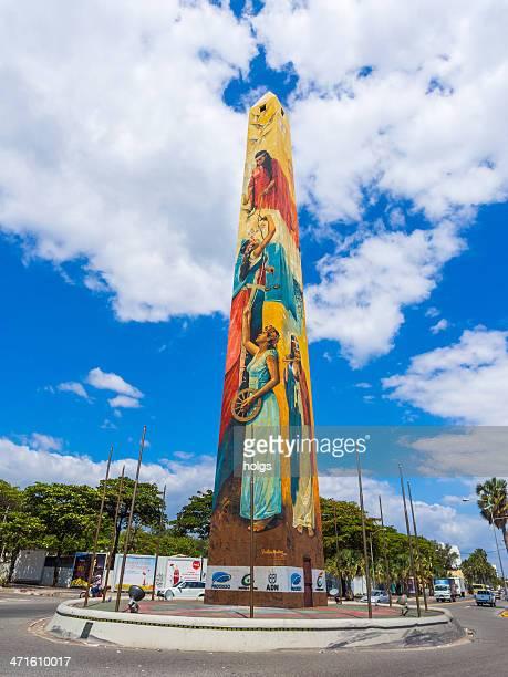 el malecon obelisk, dominican republic - santo domingo dominican republic stock pictures, royalty-free photos & images
