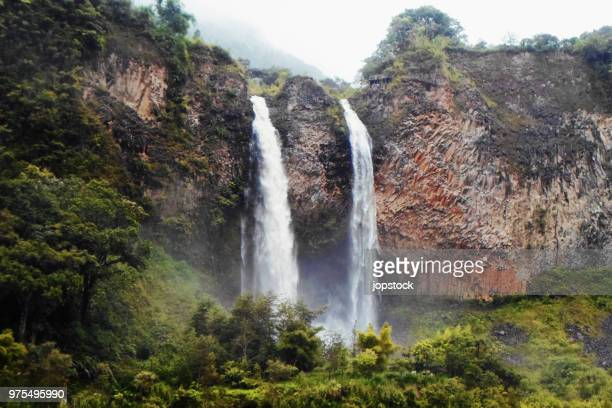 el manto de la novia waterfall in banos, ecuador - ecuador stock pictures, royalty-free photos & images