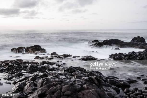 el mar en blanco y negro - blanco y negro photos et images de collection