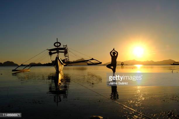 el nido sunsets - palawan island stock pictures, royalty-free photos & images