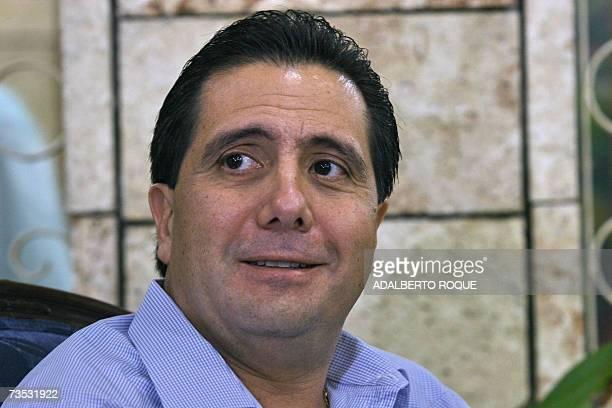 El presidente de Panama, Martin Torrijos hace declaraciones a la prensa el 03 de enero de 2007 en La Habana. Torrijos se encuentra en Cuba en una...