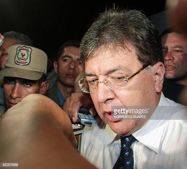 El presidente de Paraguay Nicanor Duarte Frutos llega a la vivienda donde se encontro el cuerpo de la hija del ex presidente Raul Cubas Cecilia...