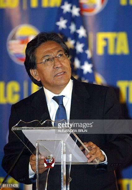 El presidente de Peru Alejandro Toledo pronuncia el discurso inaugural de la Tercera Ronda de Negociaciones del Tratado de Libre Comercio en Lima el...