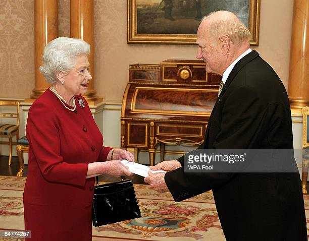 El Salvador's ambassador to London Dr Roberto AvilaAvilez presents his credential papers to Queen Elizabeth II at Buckingham Palace on February 13...