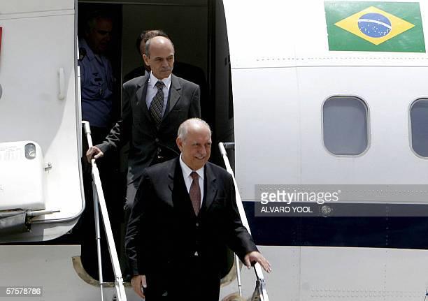 El vicepresidente de Brasil, Jose Alencar arriba el 10 de mayo de 2006 a la Ciudad de Guatemala. Alencar llego a Guatemala en una visita oficial de...