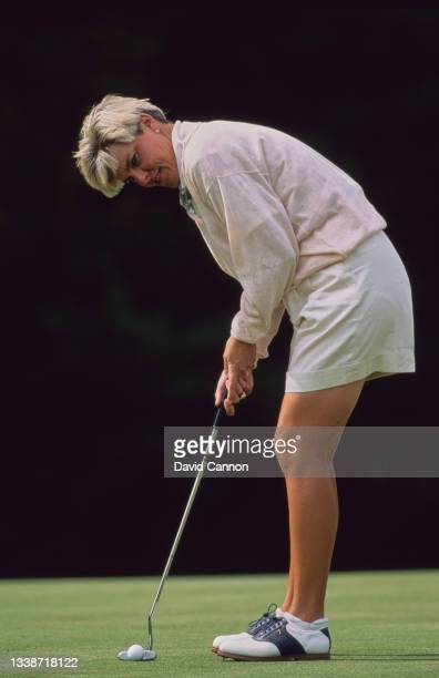 Elaine Crosby of the United States makes a putt on the green during the Weetabix Women's British Open golf tournament on 12th August 1994 at the...