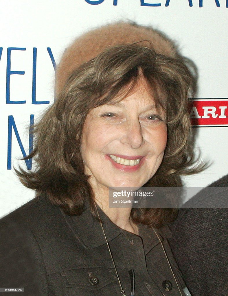 """Relatively Speaking"" Broadway Opening Night - After Party : News Photo"