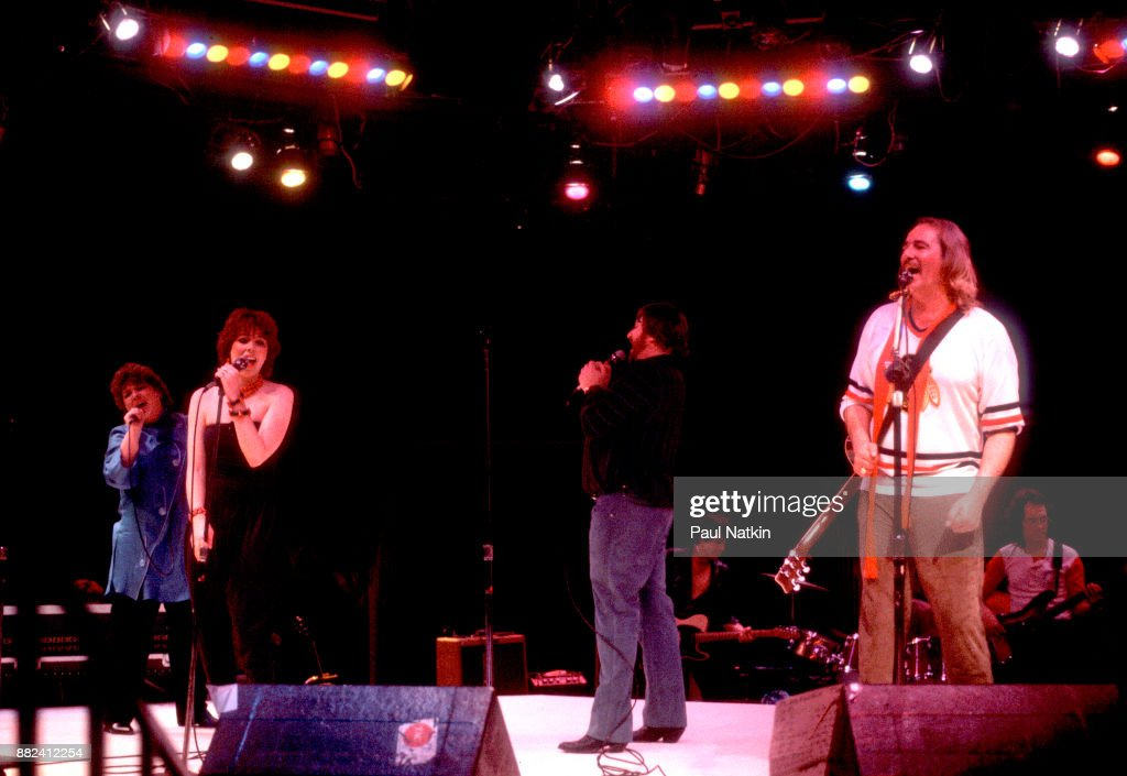 "Elaine ""Spanky"" McFarlane, MacKenzie Phillips, Denny Doherty And John Phillips Of The New Mamas And Papas : Nieuwsfoto's"