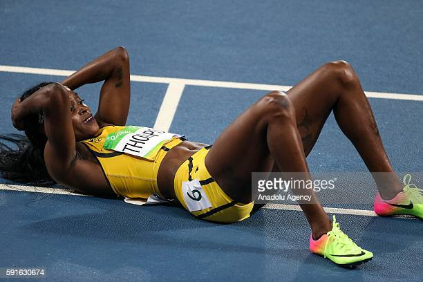 Elaine Thompson of Jamaika celebrates winning the gold medal in the Women's 200m final of the Rio 2016 Olympic Games in Rio de Janeiro, Brazil on...