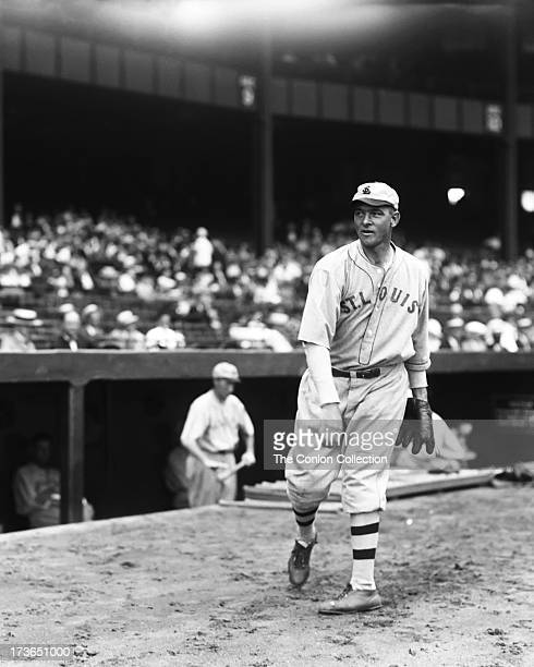 Elam R Vangilder of the St Louis Browns throwing a ball in 1927
