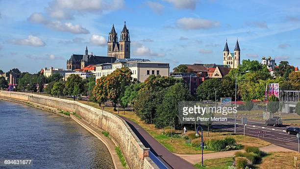 elbe river and cathedral, magdeburg, saxony-anhalt - saxony anhalt stock pictures, royalty-free photos & images