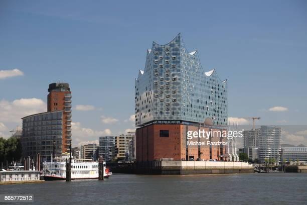 Elbe river and Elbphilharmonie