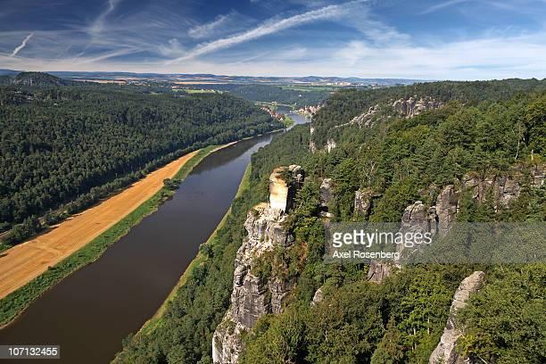 elbe valley - エルベ川 ストックフォトと画像