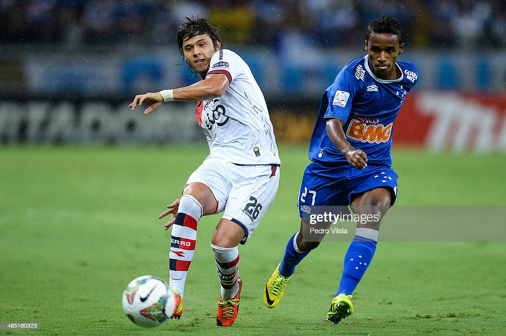 Cruzeiro v Cerro Porteno - Copa Bridgestone Libertadores 2014 Round of 16