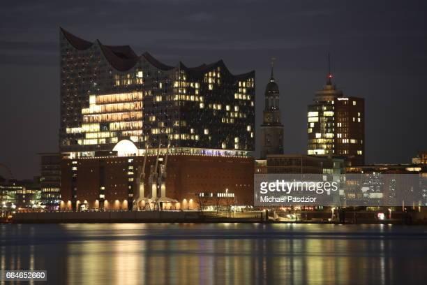 Elbphilharmonie at dusk